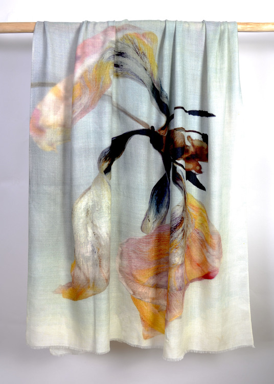 Wrap Withering Tulip Light