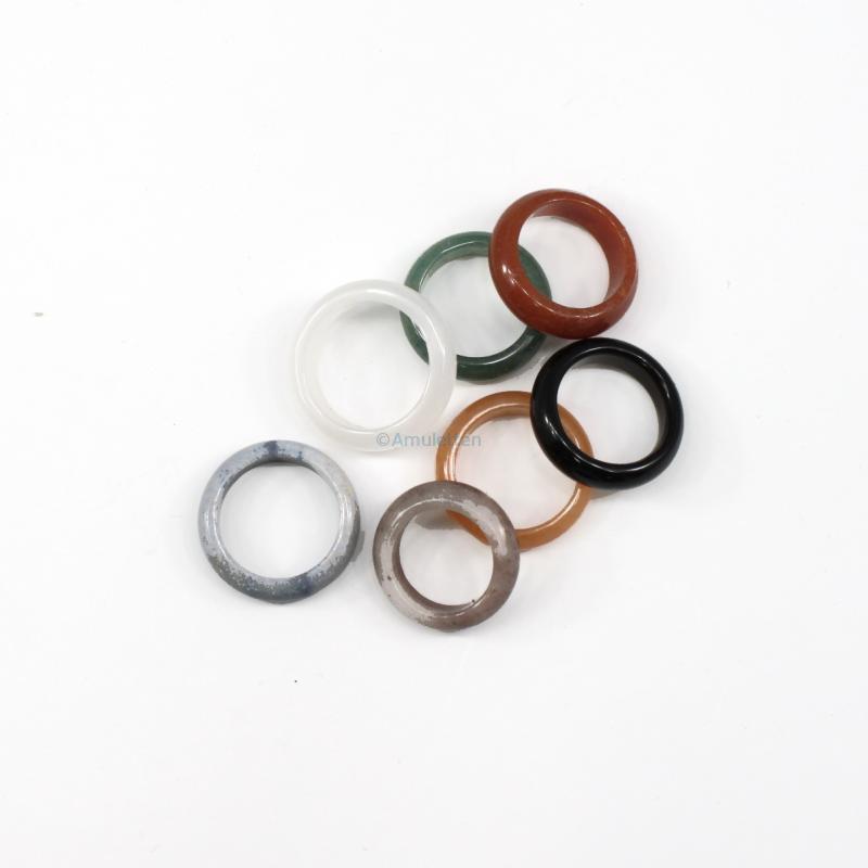 Ringar, i olika stenar och storlekar