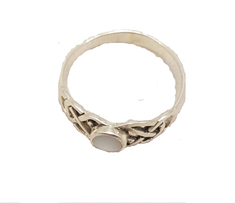 Keltiska ringar med pärlemor