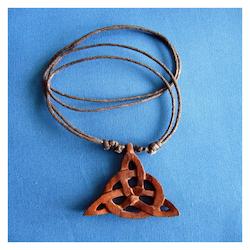Halsband - Triquetta