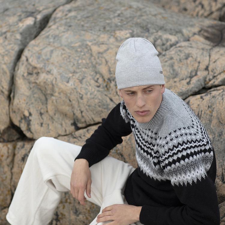 Sarek sweater