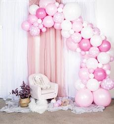 Rosa ballongbåge