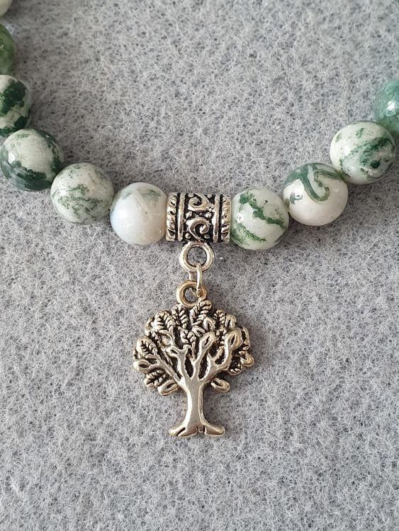 Tre agat med tree of life charms