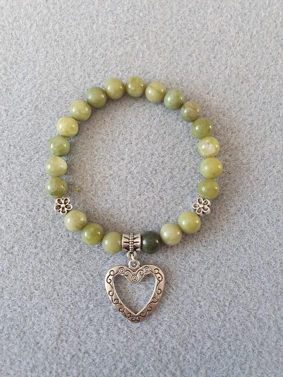 Grønn jade med hjerte charms
