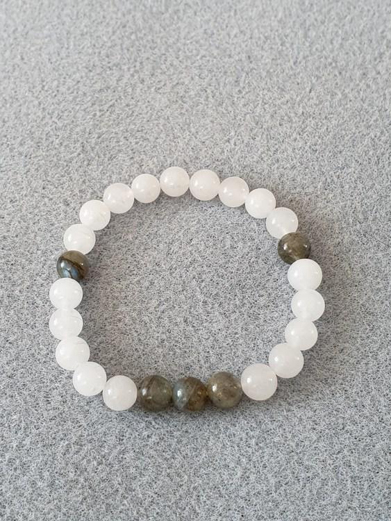Hvit jade og labradoritt