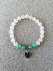 Hvit jade og amazonitt med resin hjerte charms