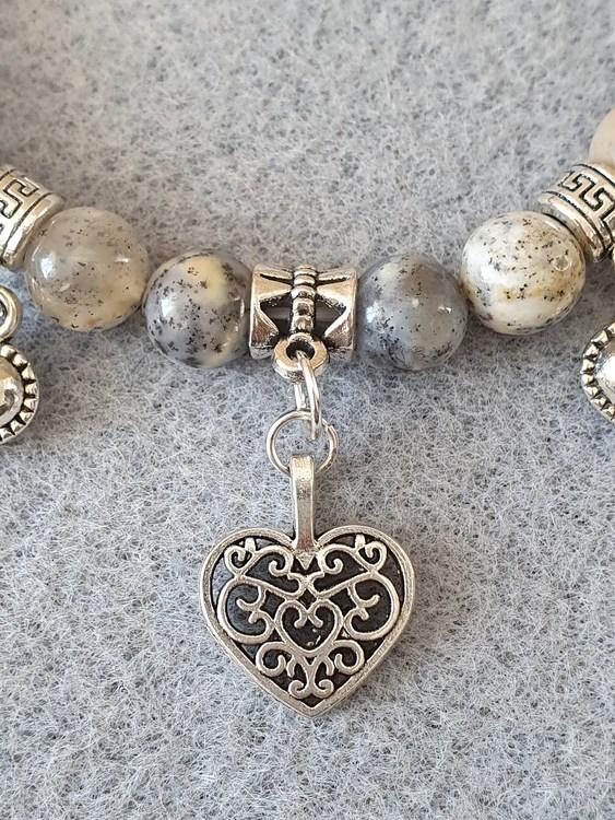 Agat dendrit med charms i tibetansk sølv
