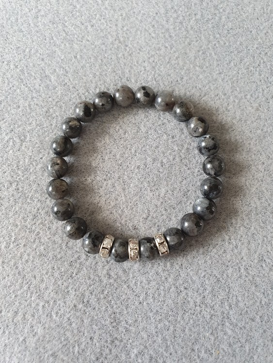 Larvikitt  med strass perler
