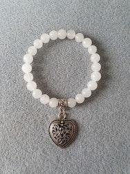 Hvit jade med hjerte charms