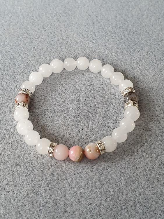 Hvit jade og rosa opal