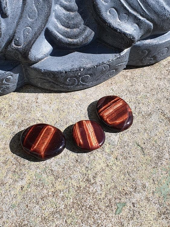 Rød tigerøye (okseøye)