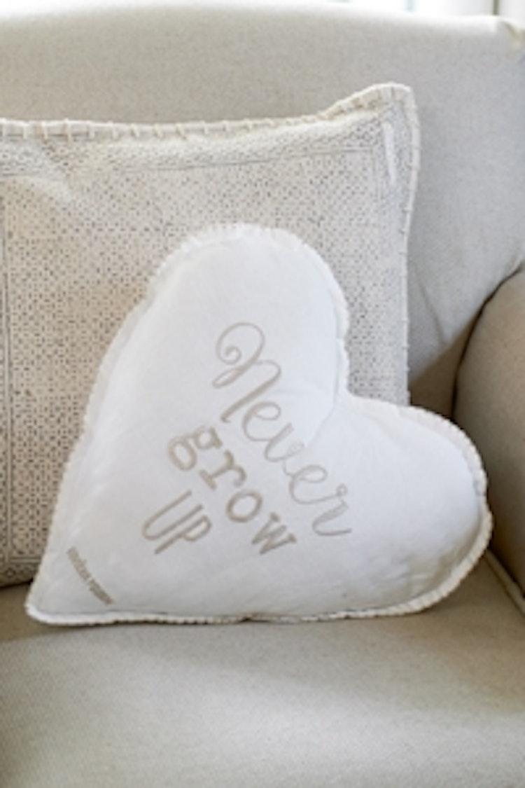 Riviera Maison Never Grow up heart pillow