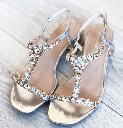Sandal Diamond