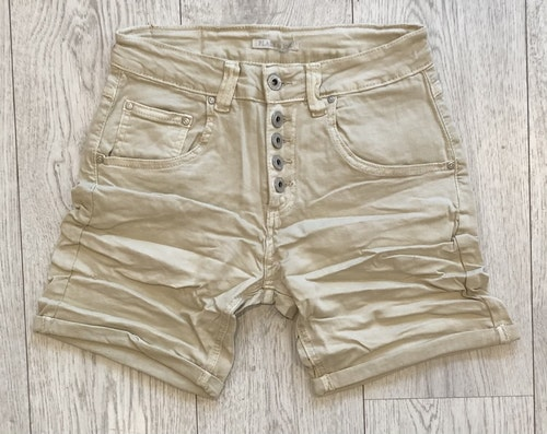 Place du jour shorts Beige