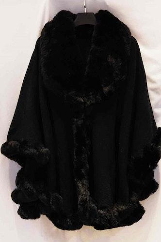 Fuskpäls cape svart