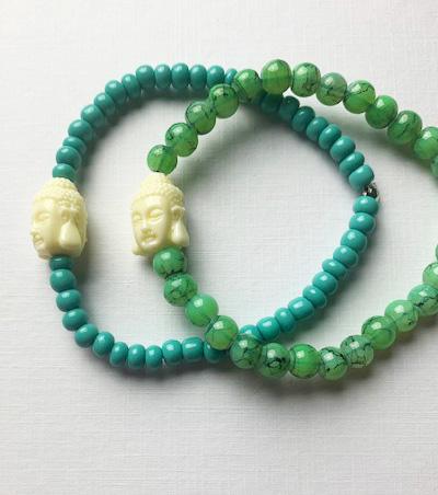 Pärlarmband med buddha