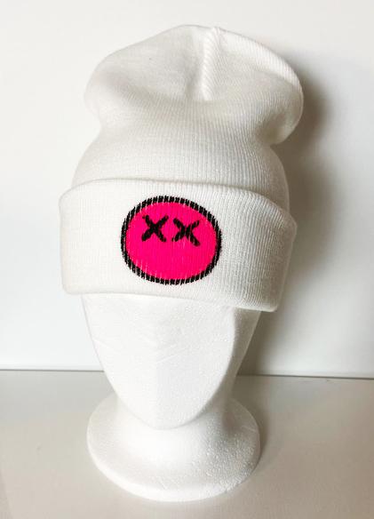 Vit mössa med rosa X-man