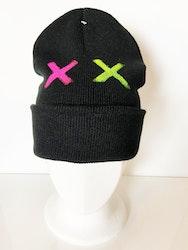 Svart mössa X