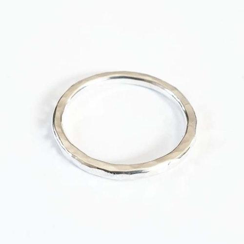 Hamrad silverring liten