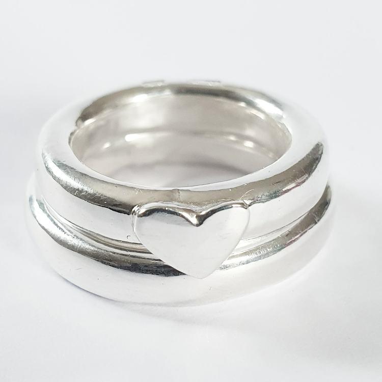 Chunky silverring med handsågat hjärta i silver