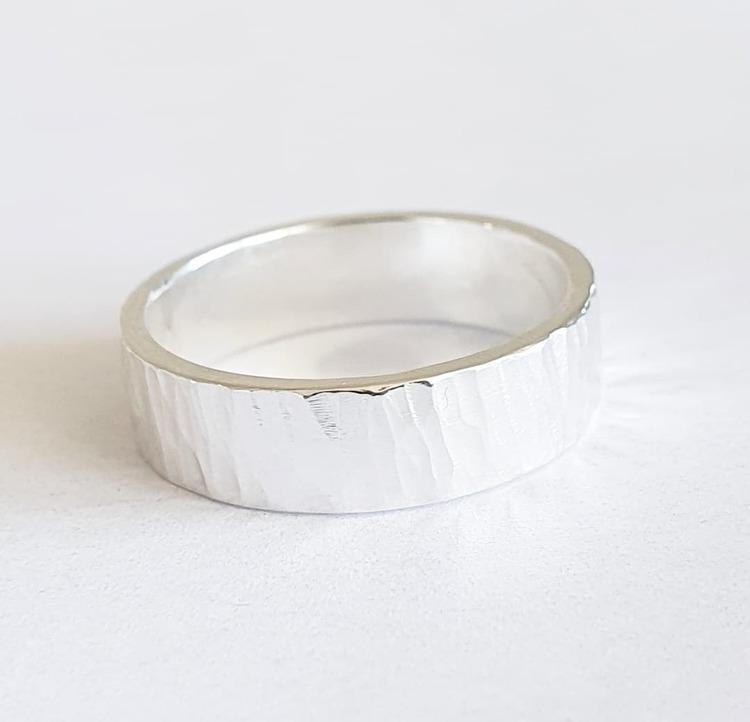 Hamrad silverring - mellanbred
