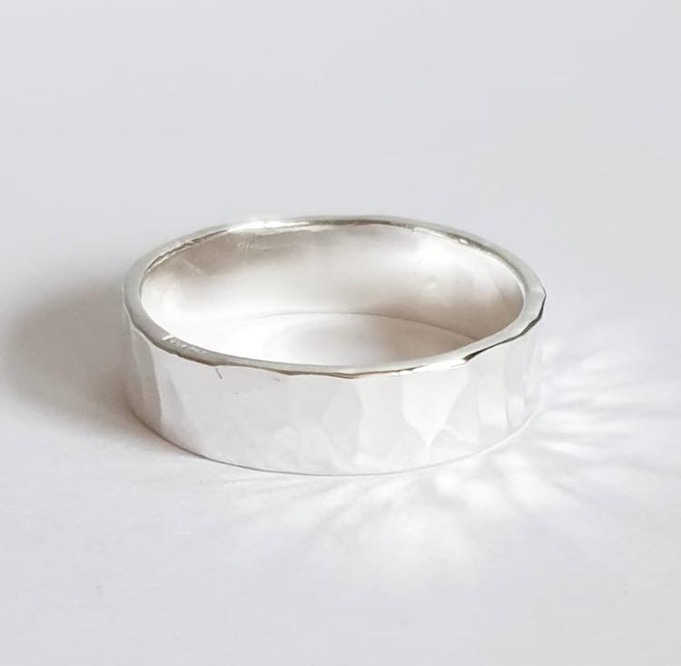 Hamrad mellanbred ring