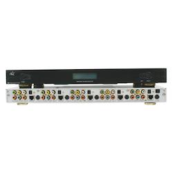 Svart komponent switch 4:1 + opt digitalt ljud