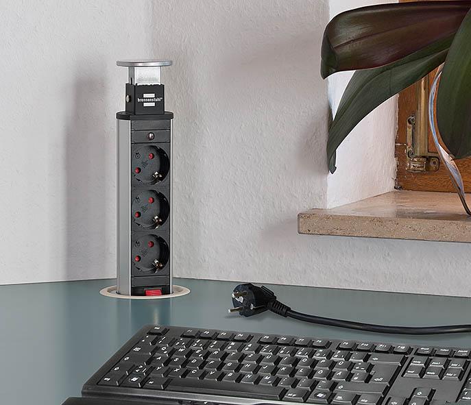 Brennenstuhl POP-UP grenuttag för bänkskiva med 3 230V och 2 USB