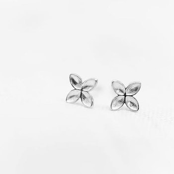 Floret stud earrings silver