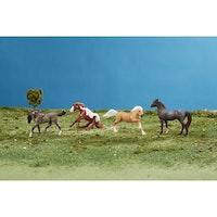 4 hästar Wild at Heart 9 cm
