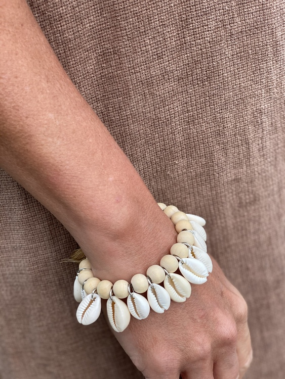 Halsband/ Armband snäckor