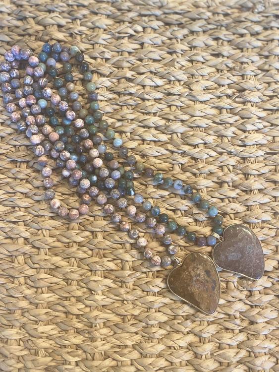 Boho halsband med stenhjärta