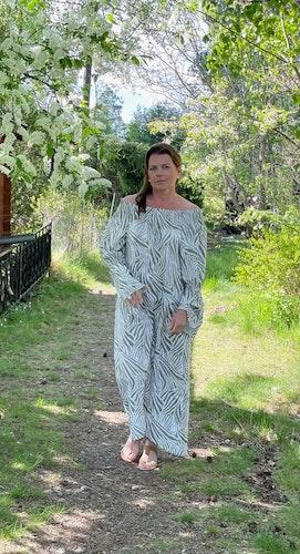 Maxiklänning tiger