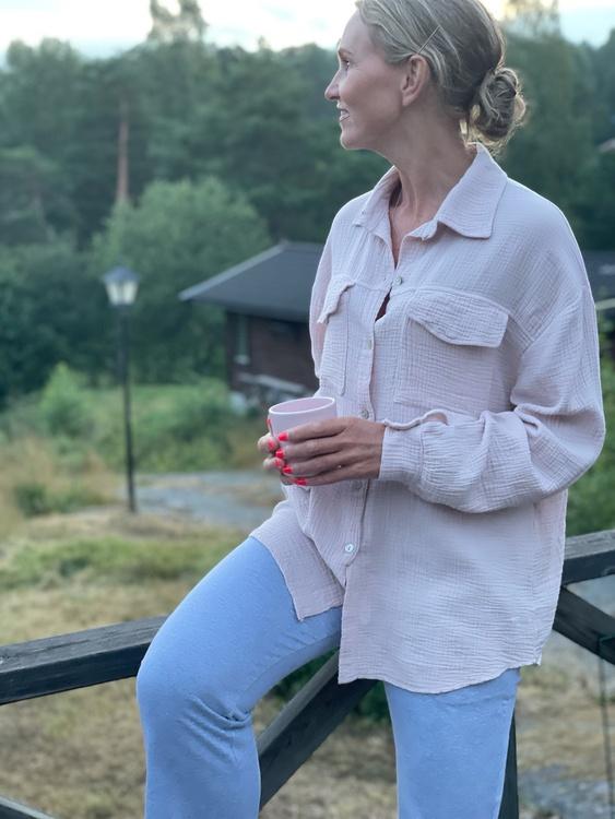 Soft bomull skjorta med fickor