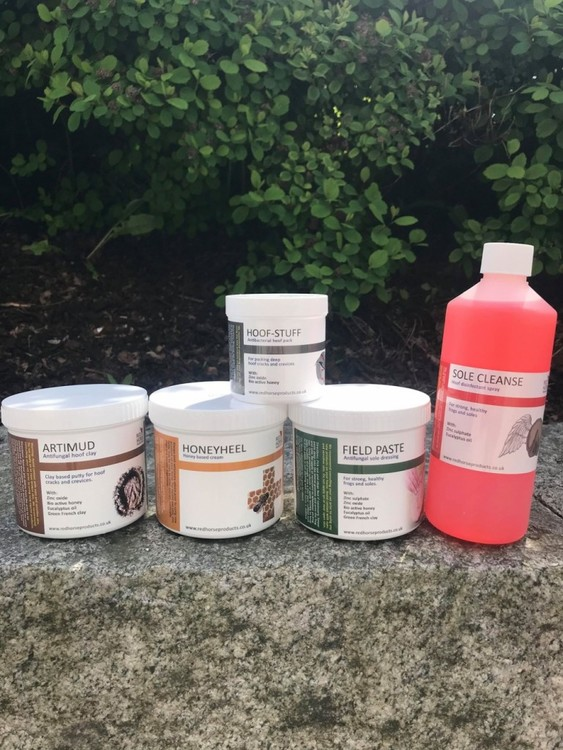 Pakketilbud (Honeyheel, Artimud, Field Paste, Sole Cleanse og Hoof-Stuff)