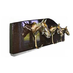 Trinseoppheng med 3 stk hestehoder i messing