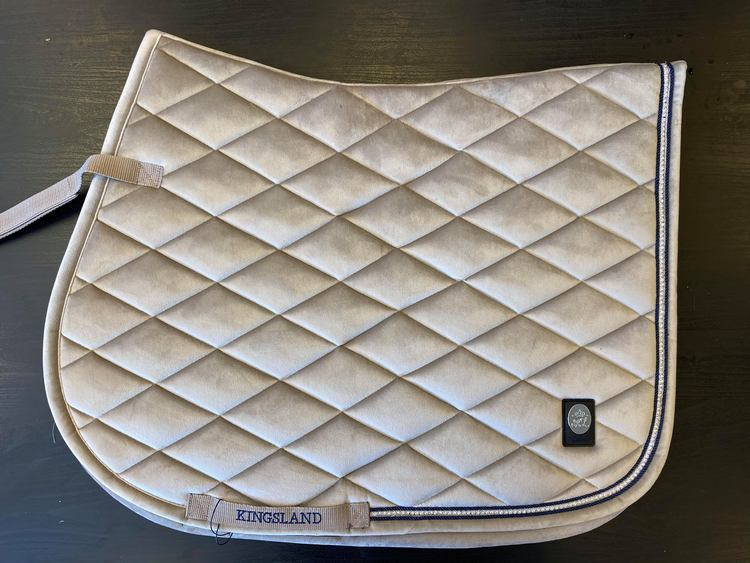 KINGSLAND DAWN VELVET SADDLE PAD W/COOLMAX (BEIGE)