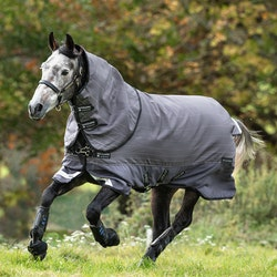 Horseware Amigo Bravo 12 Reflectech Plus, utedekken med avtakbar hals, 100 gram