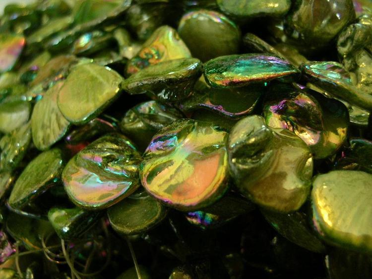 Snäckskalspärlor - Romb - Läkerol grön - 4st
