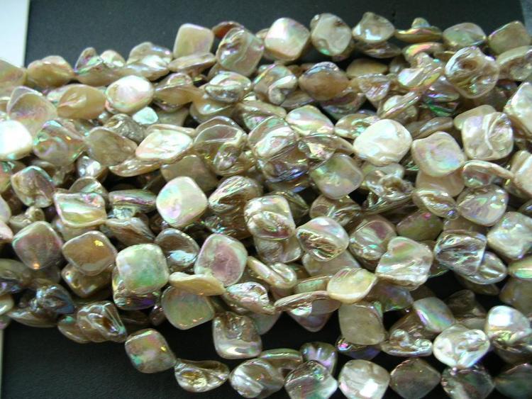 Snäckskalspärlor - Romb - läkerol Elfenbensvit - 4st