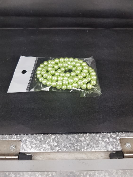 Romarpärlor - Vaxade Glaspärlor - Ljusgrön - 1sträng