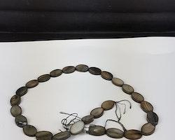 Snäckskalspärlor - Oblong - Ovala - Infärgade - Svart
