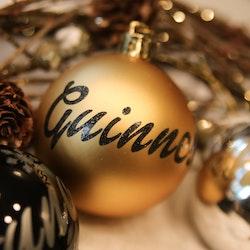 Guld julkula med egen text