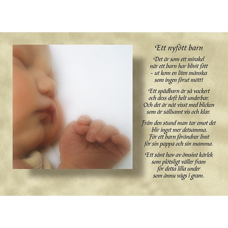Diktkort med text av Siv Andersson - Ett nyfött barn. Foto: Per Johansson. Kortbutiken säljer detta vykort.