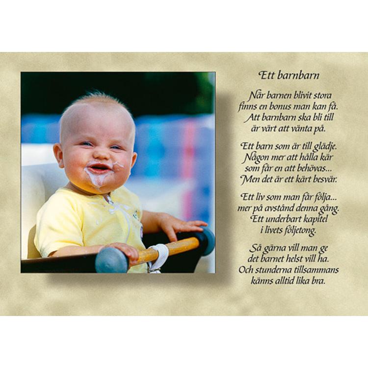Diktkort med text av Siv Andersson - Ett barnbarn. Foto: Per Johansson. Kortbutiken säljer detta vykort.