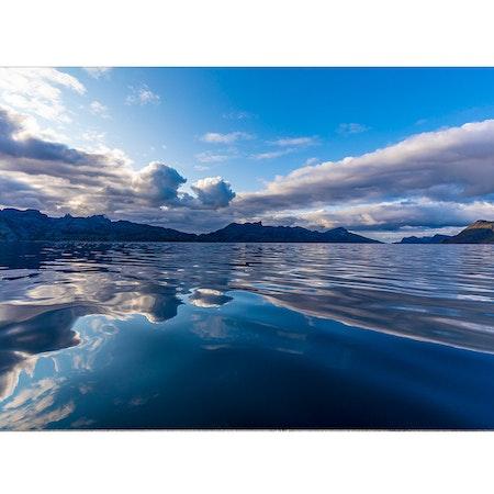 5085 – Speglande hav