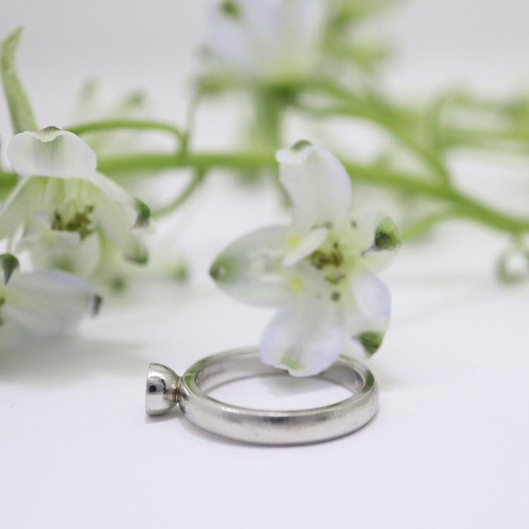 """Lavendel"" Guldring med 0,25 ct diamant"