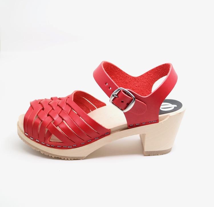 Piukk flätad sandal röd