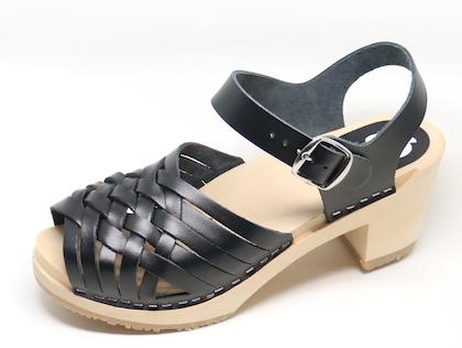 Piukk flätad sandal svart