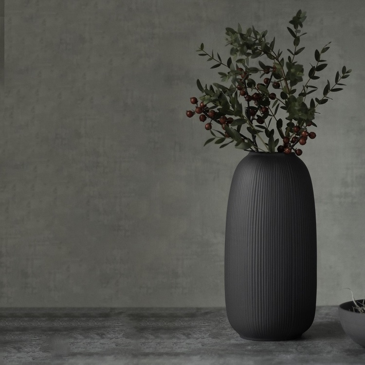Vas mörkgrå keramik